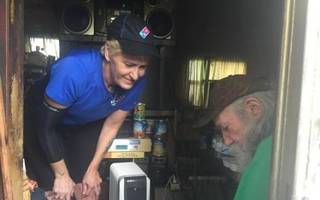 Pizza Delivery Driver Changes Homeless Man's Life