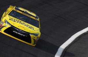 Matt Kenseth wins pole for Bank of America 500 at Charlotte
