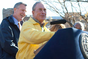 De Blasio lifts Bloomberg to new heights — literally