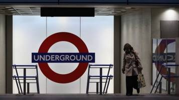 Piccadilly Line disrupted by faulty train at Kings Cross