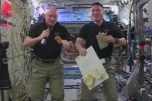 Astronauts' Thanksgiving feast takes just 20 minutes to prepare