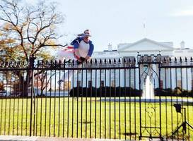 Man jumps White House fence, triggers lockdown