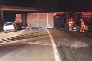 Bus carrying college students overturns in Virginia