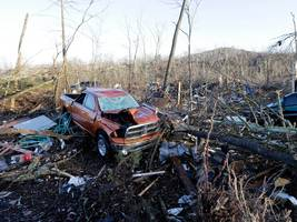 mississippi declares state of emergency after tornadoes ravage the south and kill 10 people