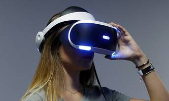 Apple Throws Its Hat Into Virtual Reality Ring?
