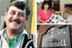 artist dennis from brixham left legacy of signs