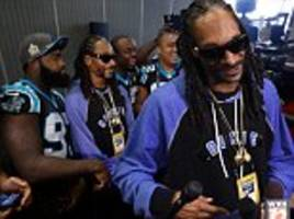 snoop dogg steals the show as rap legend leaves broncos players starstruck ahead of super bowl 50 meeting on sunday