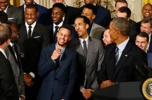 President Obama clowns the Warriors