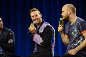 Super Bowl: Coldplay's Chris Martin rooting for 'Denver Panthers'