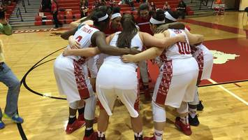 #1 Princeton, star Jackie Young ousted from tourney by Southridge, 34-33