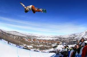 15-year-old chloe kim lands back-to-back 1080s to earn perfect 100 score