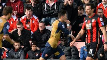 Ozil inspires Arsenal back to form, into third