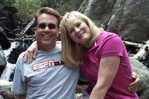 husband pushed wife off 130ft cliff on their anniversary after taking one last photo together