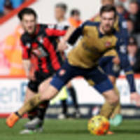 Football: Arsenal win, United draw with Chelsea