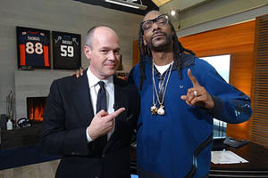 snoop dogg turns sports reporter for super bowl week on 'the rich eisen show'