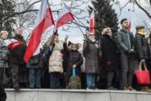 Poland's new right-wing government shakes up public media