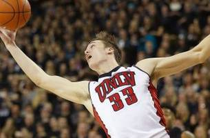 unlv's stephen zimmerman out with a knee injury
