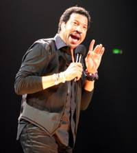 Lionel Richie to Be Celebrated at Grammy Awards Ceremony