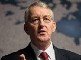 Hilary Benn rebukes Jeremy Corbyn over Trident as he warns no-one wants to live in a world where only North Korea has a nuclear weapon