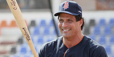 jose canseco says everyone should be in gold, predicts $1,500 by memorial day