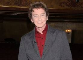 Barry Manilow 'Doing Well' After Successful Surgery