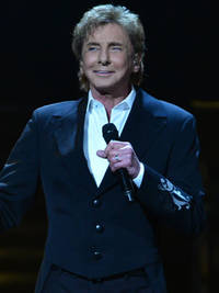 Barry Manilow rushed to hospital following surgery complications