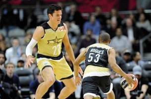 Who knew? Milos Raonic just dunked at the NBA All-Star Celebrity Game