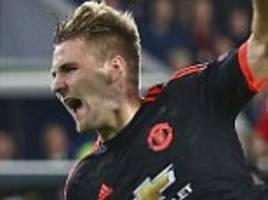 luke shaw closing in on manchester united return before the end of the season with defender eyeing euro 2016