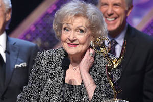 betty white sued by former caretaker for allegedly failing to pay minimum wage, overtime wages