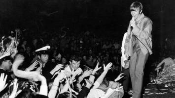 see how festival hall moved melbourne
