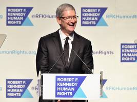 apple ceo tim cook is joining the board of a human rights group (aapl)