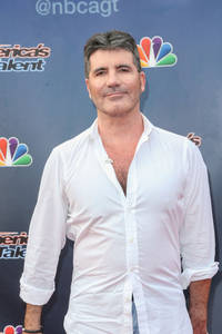 simon cowell makes appearance on 'american idol' finale