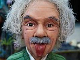 world's largest cake decorating show sees albert einstein crowned the winner!