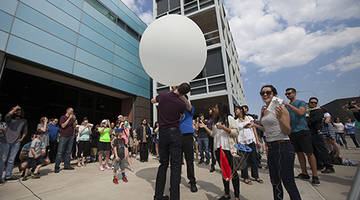 Warm Weather Draws Large Crowd for 2016 Meteorology Program Weather Balloon Launch at College of DuPage