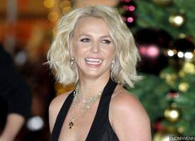 it looks like britney spears is bringing her new single to 2016 billboard music awards