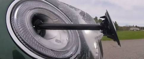 The Bentley Bentayga Has the Most Amazing Headlight Washer System Ever
