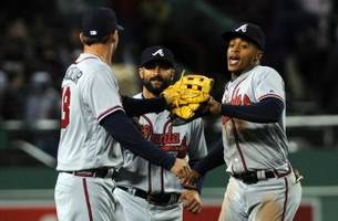 braves live to go: markakis helps braves snap losing skid in boston