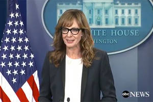 allison janney reprises 'west wing' character for white house press briefing (video)
