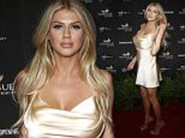 new baywatch beauty charlotte mckinney puts on busty display at vegas club opening