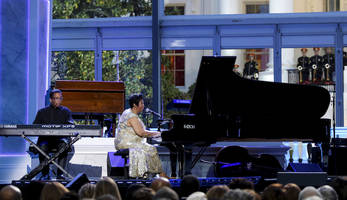 Aretha Franklin Sings Prince's Purple Rain, Herbie Hancock Performs at the White House: Watch