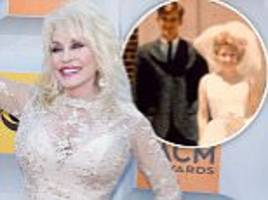 dolly parton to renew vows with husband carl dean for 50th anniversary