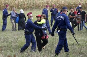 Hungary's Migrant Quota Referendum Gets Supreme Court Backing