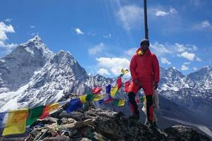 adventurer richard parks forced to end world-first everest challenge