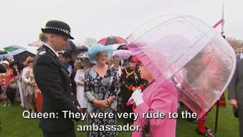 queen elizabeth caught on camera describing chinese officials as very rude