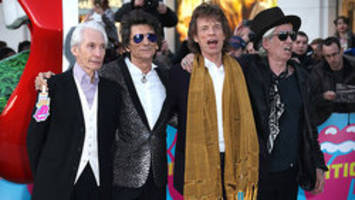 london tourism agency surprises traveller with visit from rolling stones