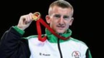 Paddy Barnes almost KO'd by faulty stool
