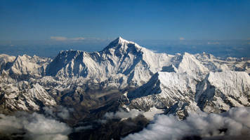 2 Indian climbers missing on Mount Everest after 2 die