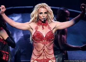 Billboard Music Awards 2016: Watch Britney Spears Perform Her Hits in Glittery Bikini