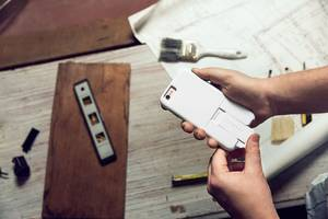 otterbox made a modular case that lets you add and remove accessories