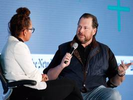 salesforce just took another step to tighten its partnership with amazon (crm, amzn)